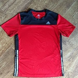 Boys Adidas L 14/16 Red Black Short Sleeve Shirt